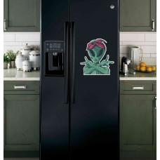 """Наклейка на холодильник """"Пришелец в косынке"""""""
